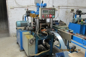 N,K钉液压机机
